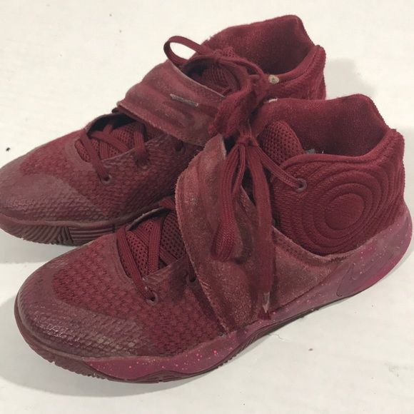 brand new 27dd1 195b3 Boys Kyrie Irving's size 2 maroon
